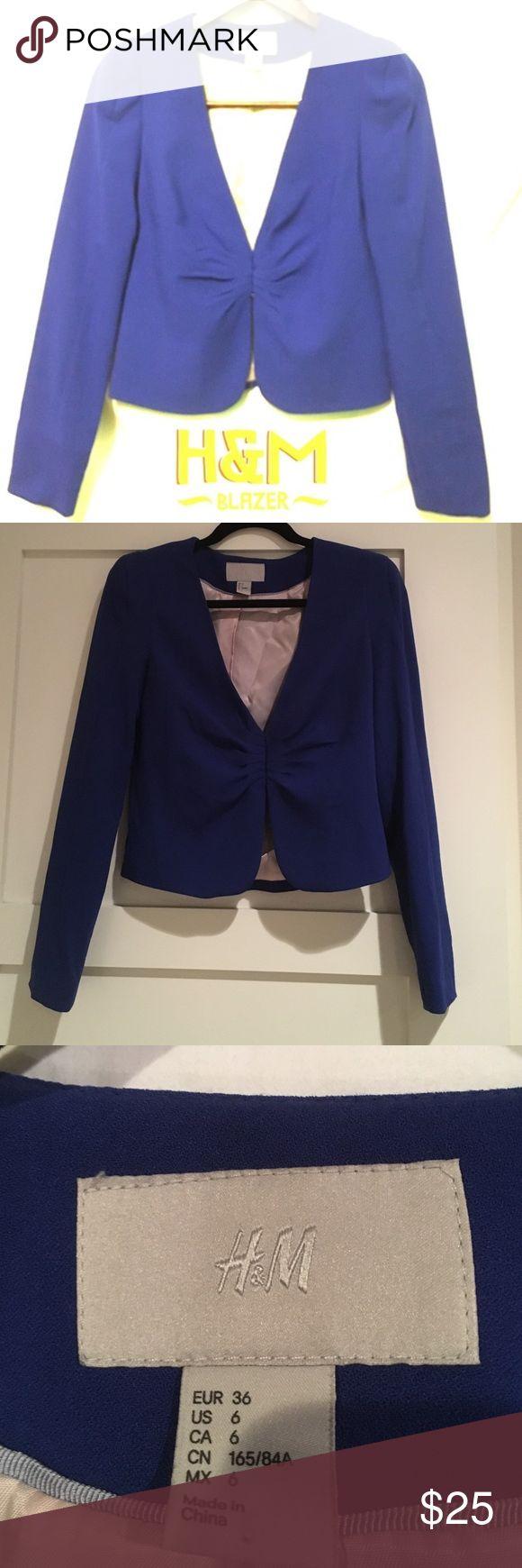 💙 H&M Royal Blue Blazer 💙 💙 H&M Royal Blue Blazer! Shell: 63% polyester 31% viscose 6% elastane. Lining: 52% polyester 48% viscose. Mint condition! 💙 H&M Jackets & Coats Blazers