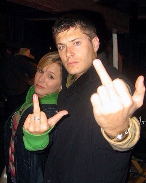 Dean Winchester and Veronica Mars. I'm pretty sure my life is now compete. THIS IS WHAT MY LIFE NEEDS!!!!