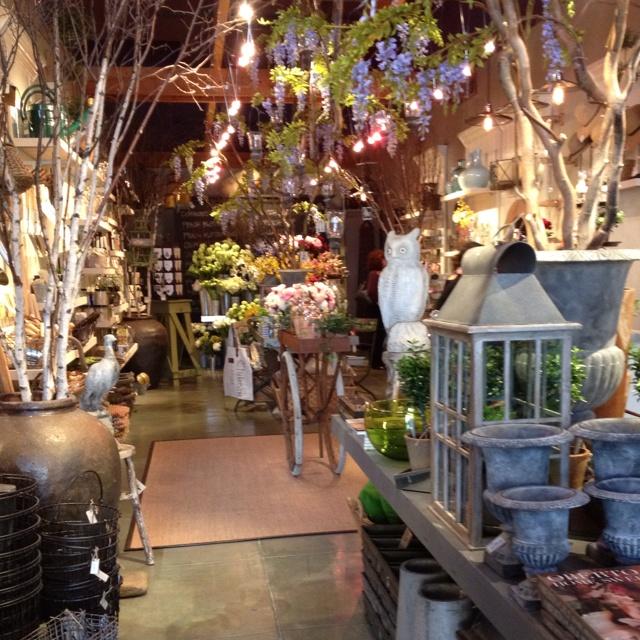 """I love """"vintage"""" flower shops!"""