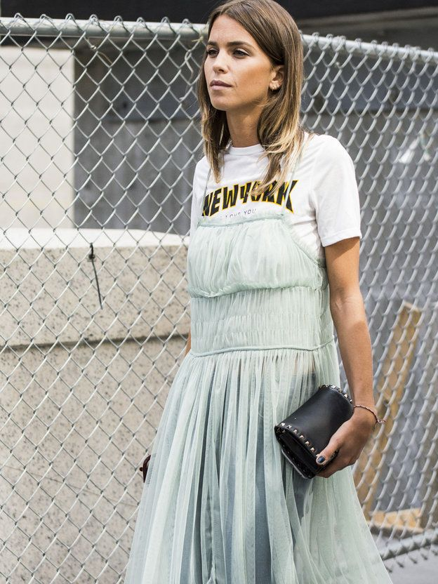 Streetstyle | Fashion Editor Style | Dress over t-shirt | runway shows | new york fashion week | Graphic tee | layered style mimimalist
