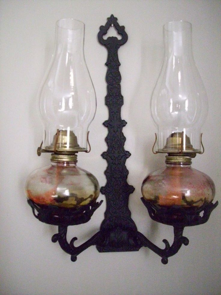 VINTAGE ANTIQUE CAST IRON OIL LAMP HOLDER/WALL SCONCE W/ SET OF OIL LAMPS  | eBay