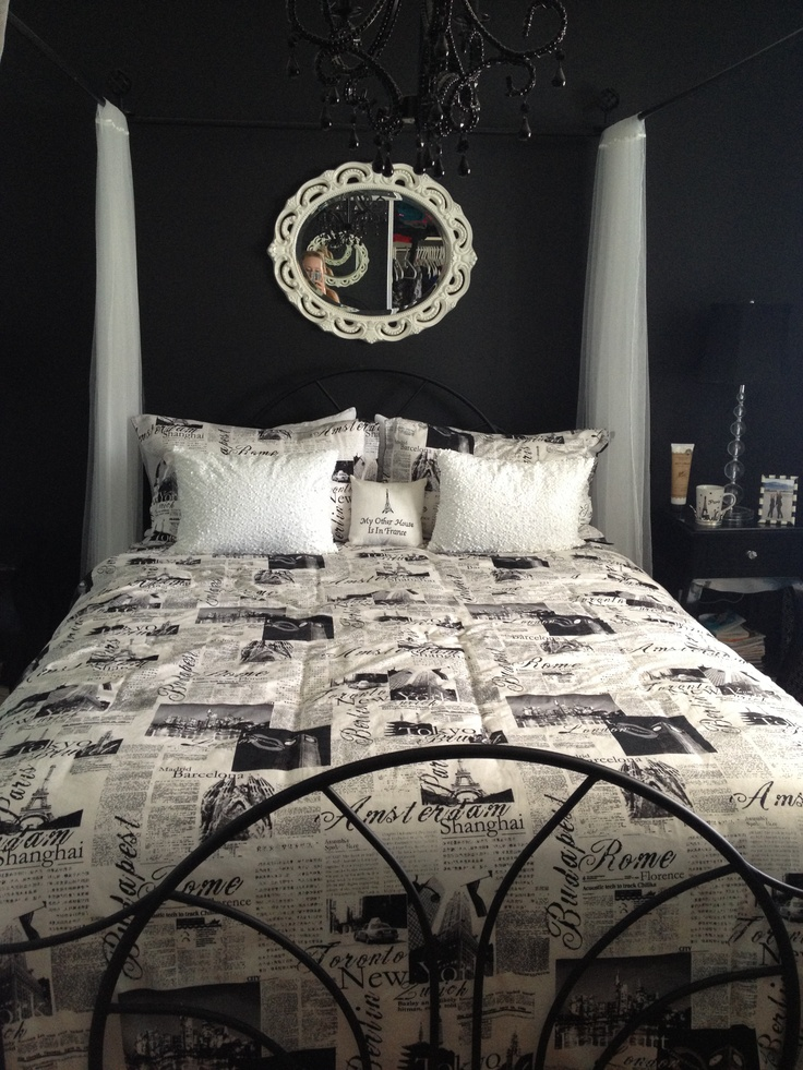 A Paris room!