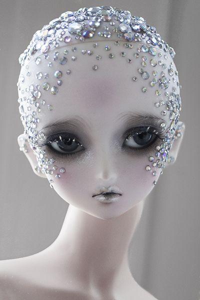 Fantasy | Whimsical | Strange | Mythical | Creative | Creatures | Dolls | Sculptures | ☥ |