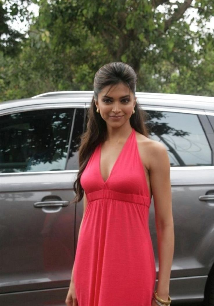 Deepika Padukone with car