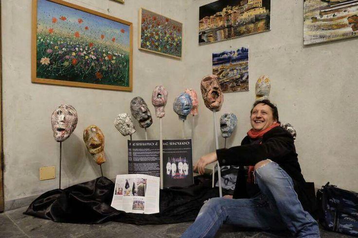 Una parte della mia installazione artistica NESSUNO È AL SICURO, installazione artistica dedicata alle vittime del terrorismo.  In esposizione presso il complesso monumentale della chiesa di santa Maria di castello a Genova.