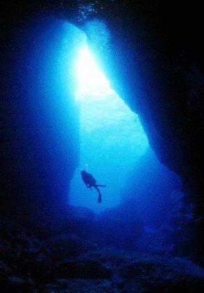 ダイバーの憧れ、ぐろっと。何度行っても飽きないという人が多いそう。サイパン 旅行・観光のおすすめスポット。