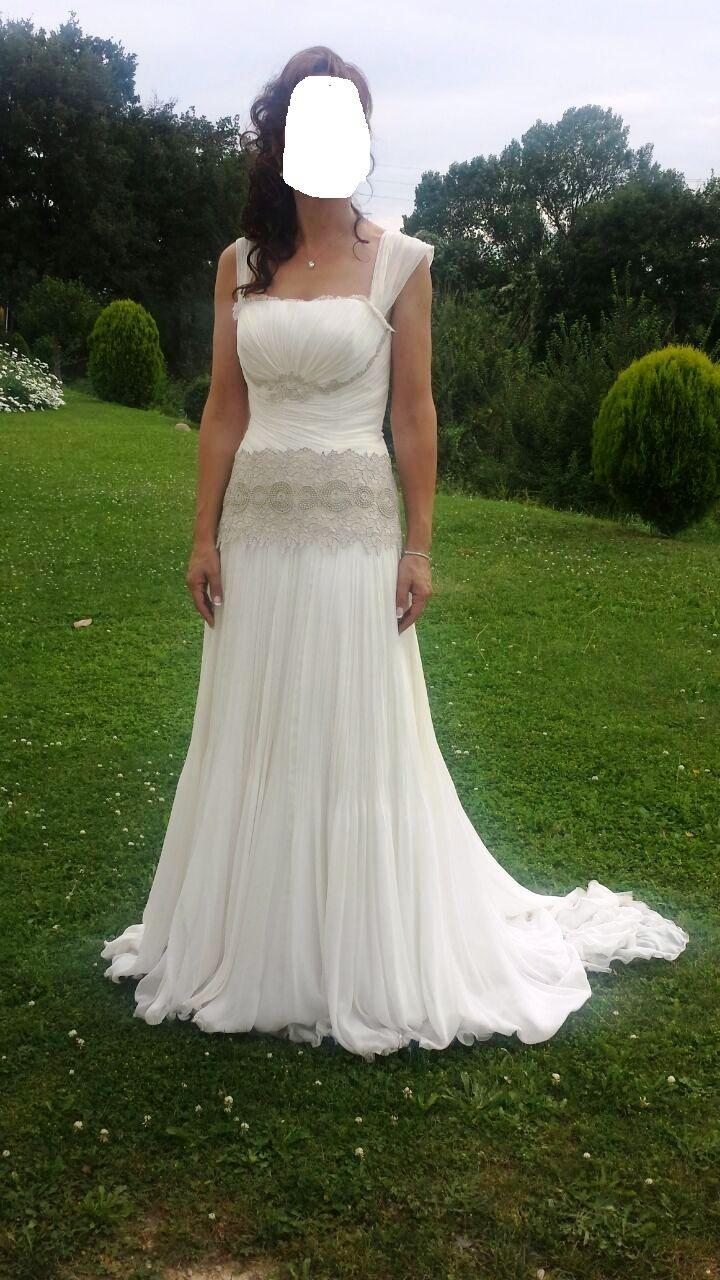 ¡Nuevo vestido publicado!  Urge! Raimon Bundo 2014 ¡por sólo 1500€! ¡Ahorra un 52%!   http://www.weddalia.com/es/tienda-vender-vestido-novia/urge-raimon-bundo-2014/ #VestidosDeNovia vía www.weddalia.com/es