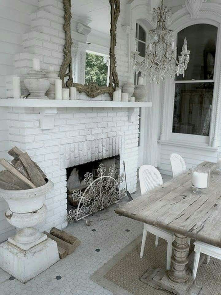 Decor shabby chic cottage dining room with fireplace for Shabby chic dining room wall art