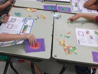"""I'm Good/Please Help cards.  No more lines or kids yelling """"I need help"""": Help Me, Teacher Stuff, Neat Ideas, Classroom Organizations, Classroom Management, Classroom Ideas, Students Need Help Cards, Smiley Faces, High Schools"""