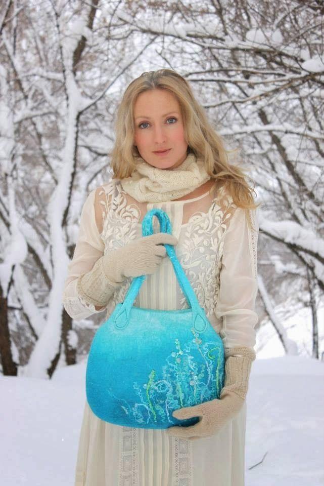 http://tatianabarry.blogspot.se/2013/12/art-felt-of-maria-ivanova.html