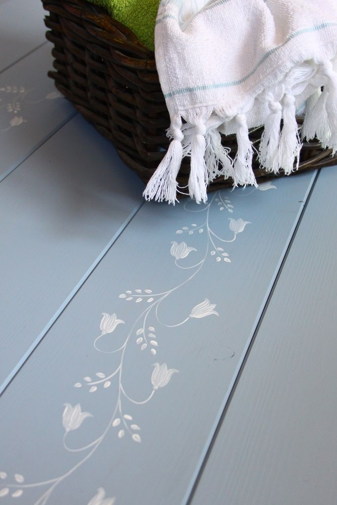 Harangvirágos mintával készült hajópadló - home decor - flowers - wood floor - haind-painted