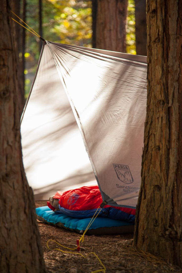 Or sleeping bags clothes pegs optional fairy lights optional - Summer Is The Perfect Time To Run With A Minimalist Setup All It Takes Is A Tarp Pad And A Cozy Sleeping Bag Snag Our Sanctuary Siltarp And Thermodown 15
