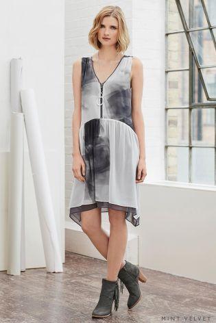 Платье-трапеция на молнии с рисунком Mint Velvet Noella - Покупайте прямо сейчас на сайте Next: Украина