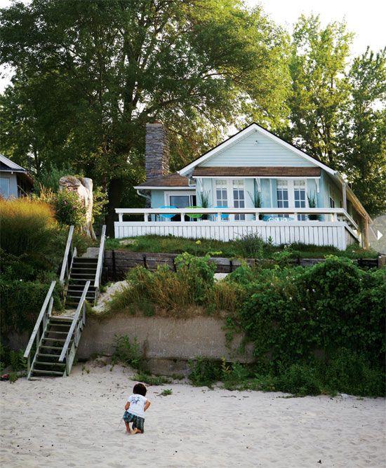 """Ooit een heerlijk huisje aan het strand. Met een veranda. Mijn """"genietplek"""" waar ik kan ontspannen, schrijven en creeren. Maar ook een plek waar familie, vrienden en bekenden samen kunnen komen, tot rust kunnen komen. Eten, drinken en verhalen kunnen delen. Waar we genieten van de rust, elkaar en veel lachen. Een plek waar je heerlijk kunt opladen!"""
