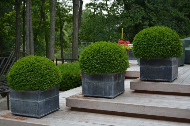 Beautiful modern planters for your public space. Submit your project to www.urbanieri.com (for free!) and reach international customers