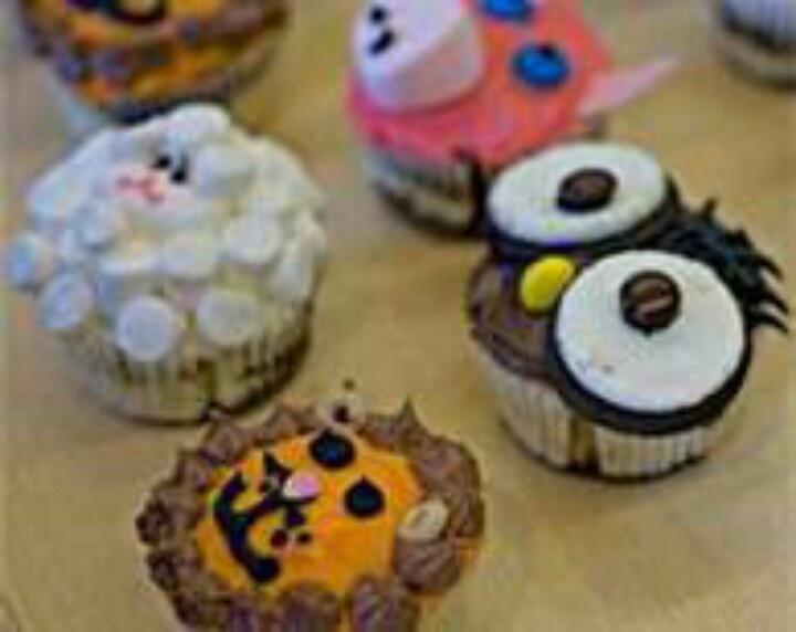 Lion owl sheep and pig cupcake cake decorating pinterest pig