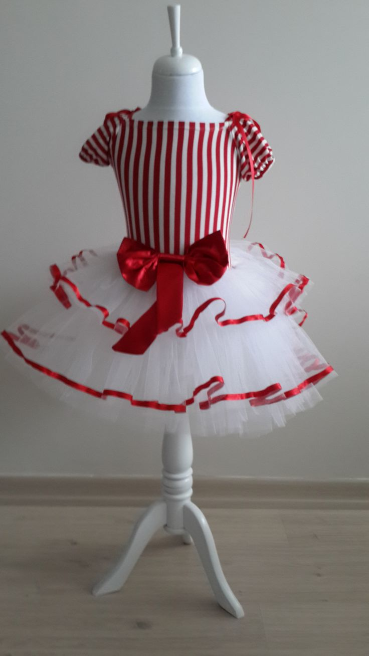 Kırmızı Beyaz Şeritli Kostüm