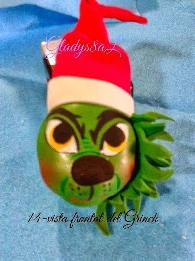 Fofucho de la películaEl Grinch,una especie de ogro verde que viveaislado en la cima de una montaña, y que se dedica arobar los regalos de Santa Claus. Patrones gratis deGrinch e imágenes gráficas para que te resulte mas fácil hacerlo o crearlo.         Patrón deFofucho el …