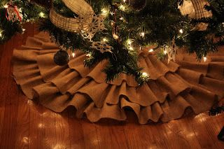 4hartwells: Make It Monday!!! -No Sew Burlap Tree Skirt