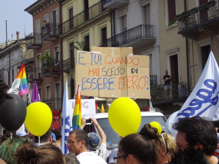 #Verona 6 Giugno 2015. In Diecimila sfilano in città al Verona Pride per dire basta alle discrimi