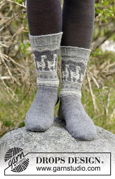 Andean Caravan Socks / DROPS 184-20 - Stickade sockor med flerfärgat nordiskt mönster. Storlek 35 - 43. Arbetet är stickat i DROPS Nord