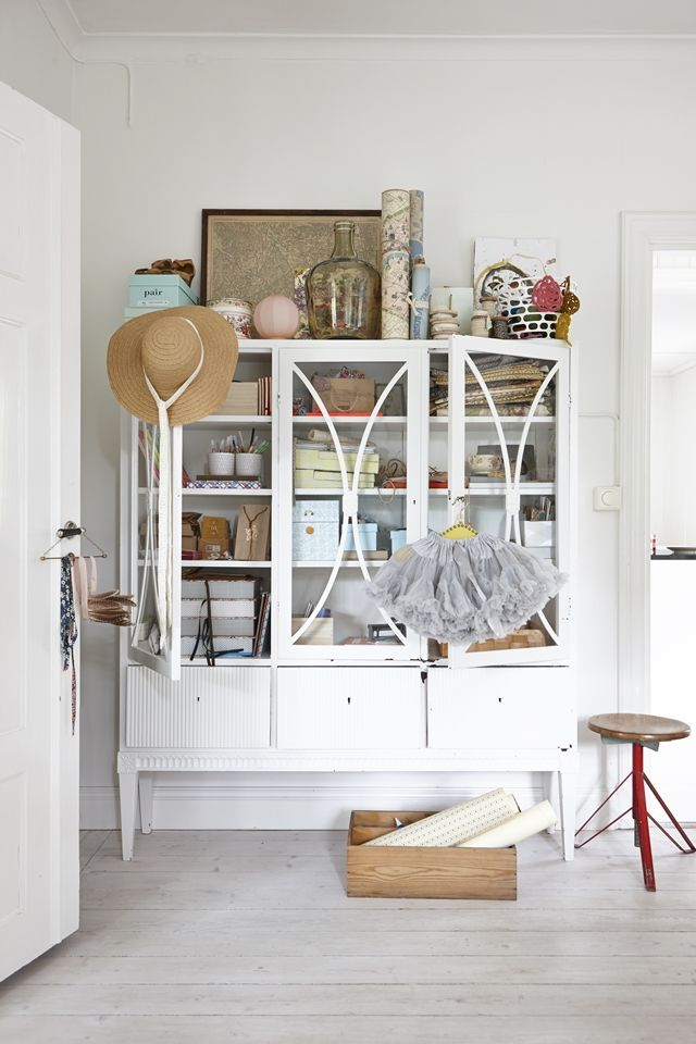 Could make for the perfect prop dish cabinet!