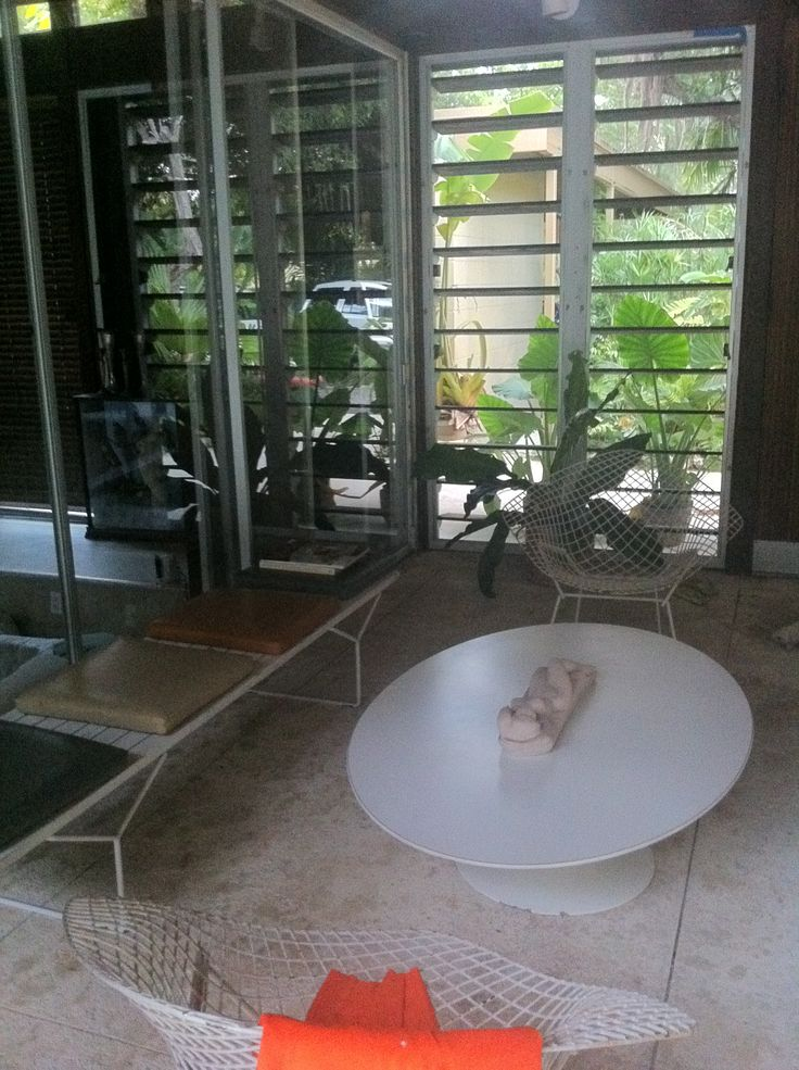 Eero saarinen coffee table bertoia diamond chairs bertoia slat benches knol - Bertoia coffee table ...