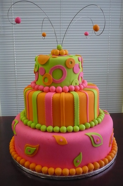 3 Tier Dummy Cake  by Lizs Cakes, via Flickr