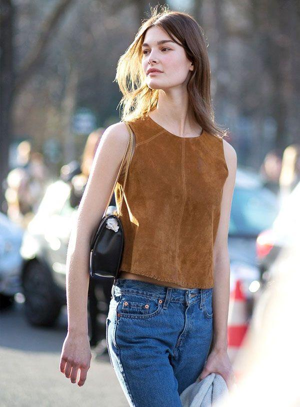 Look top de suede com calça jeans.