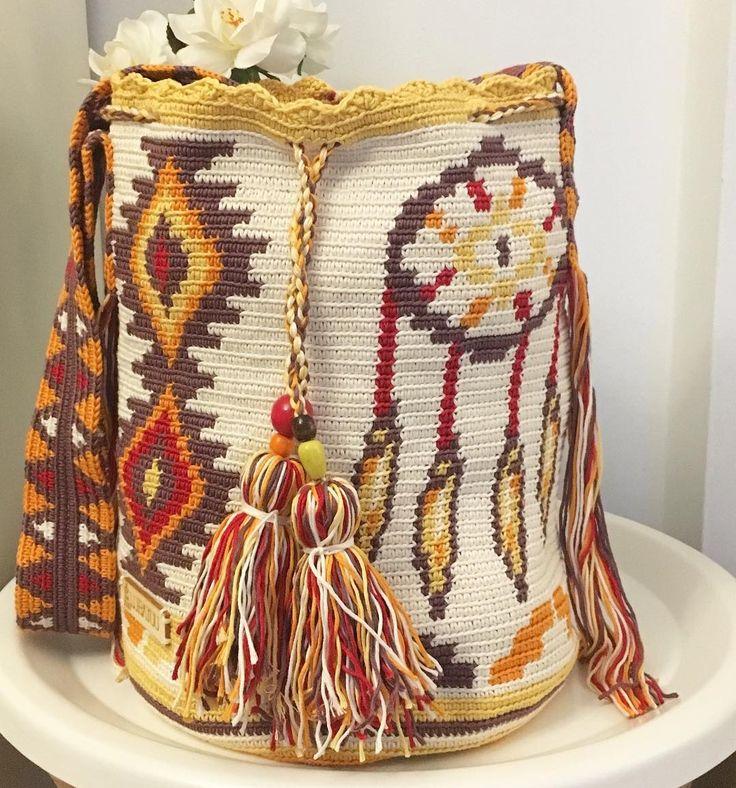 76 отметок «Нравится», 8 комментариев — Lubayuu Wayuu Crochet (@lubayuu_wayuucrochet) в Instagram: «Lubayuu con atrapasueños!!! Nueva greca para todos aquellos a los que les gusta hacer el indio!! Ya…»