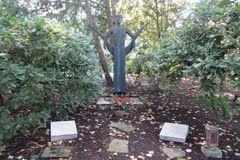 Grab Arno Breker-Nordfriedhof Düsseldorf