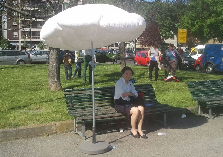 Cumulus Parasol, a cloud-like umbrella that inflates in reaction to sunlight