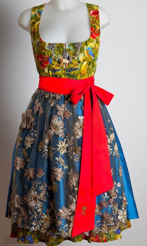 épinglé par ❃❀CM❁✿Dirndl Couture Astrid Söll