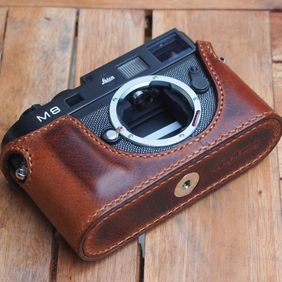 JnK and Arte di Mano leather cases for Leica cameras