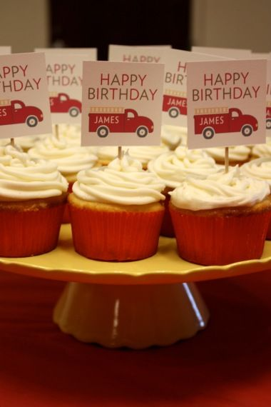 Firetrucks cupcakes!