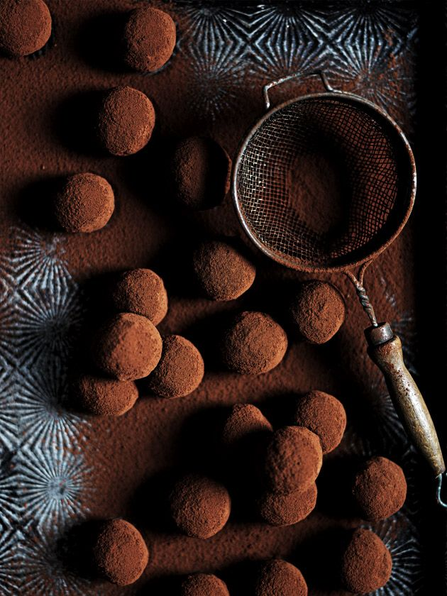 Трюфели из молочного шоколада с маракуйей
