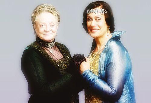 """Даунтон Abbey - вдовствующая графиня Гранты (фиолетовый Кроули ♔ Мэгги Смит) # 3 - """"Кажется, жаль упустить такую хорошую пудинг."""" - Страница 4 - Вентилятор Форум"""