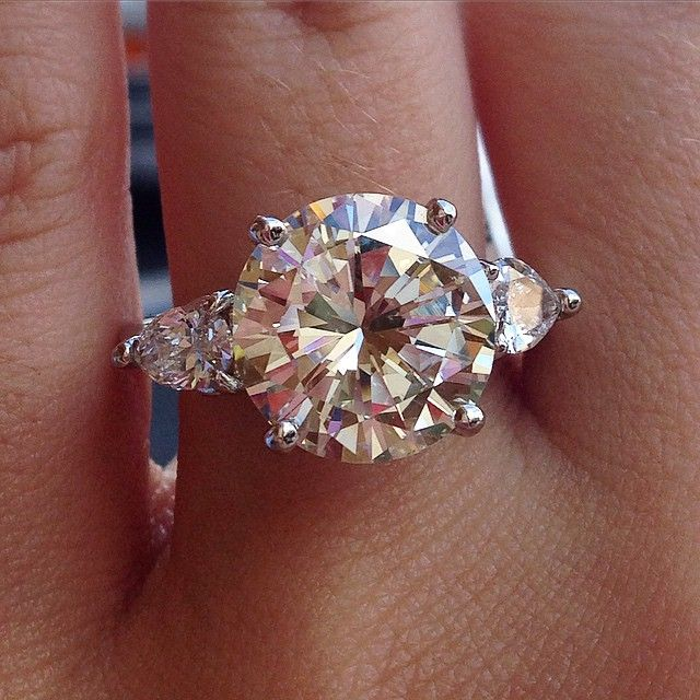 5 carat round brilliant engagement ring