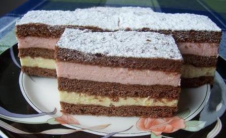 Prăjitura ˝ Vis dulce ˵ cu blat pufos si două tipuri de cremă. O prăjitură deosebită, cu un gust fin • Gustoase.net