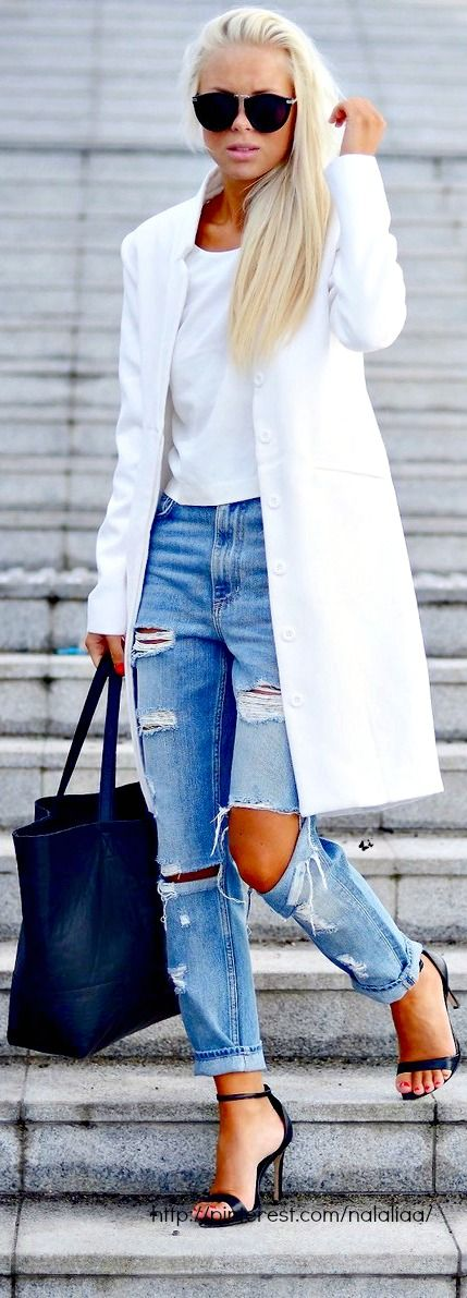 Just Right White with Denim    • Street CHIC • ❤️ Babz ✿ιиѕριяαтισи❀ #abbigliamento