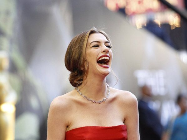 Not to be outdone, Anne Hathaway wore a $10 million 94-carat diamond necklace by Tiffany & Co to the 2011 ceremony.