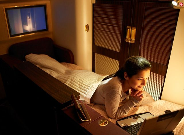 Hotels in the sky: Jet Airways First-Class Suite. Now that's how you fly! >> Wow! Anyone been lucky enough to do this??