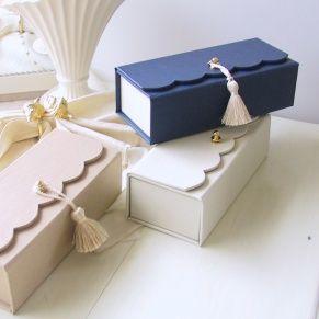 boîtes festonnées