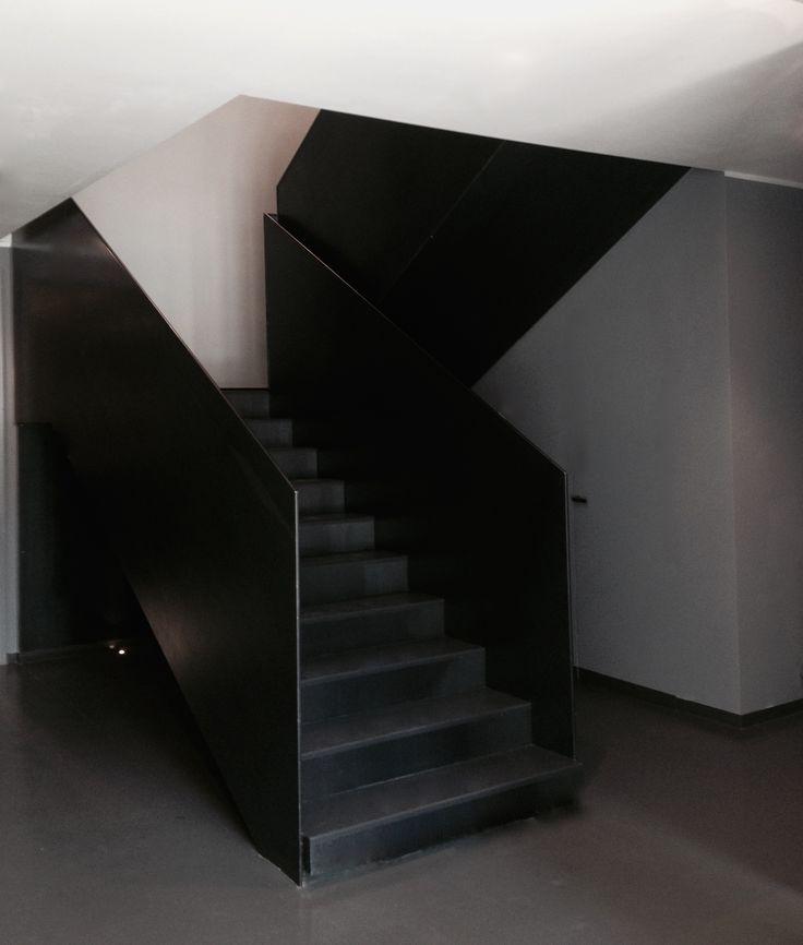 CML Milano project www.bolzonimossa.com iron staircase