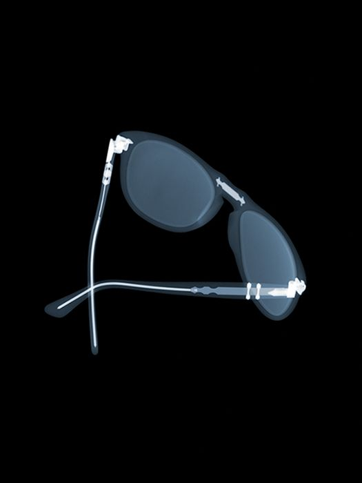 Beautiful, even on the inside. The classic 649. X-ray photography by Nick Veasey.