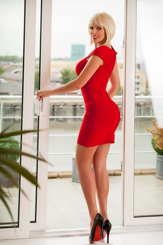 Tight Dresses And Skirts For Tight Pleasures  Photo -7798