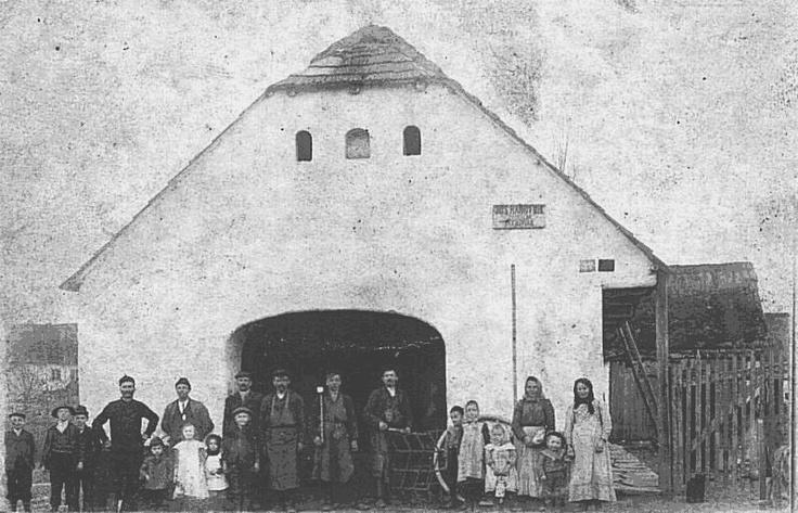 Oleška, CZ:  kovárna Hárovník, rok 1902: Marriage place for Frantisek Klein and Maria Divisova, 7 Jan 1867. Baptism place of Frantisek Klein, born 1828