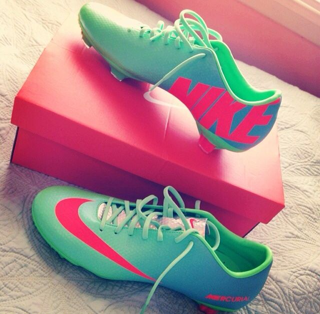 Nike Mercurial Vapor IX FG (neo green/metallic silver/ polarized blue/ total crimson).... WANT