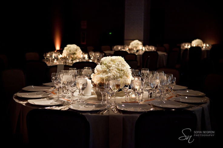 white flowers low centerpieces