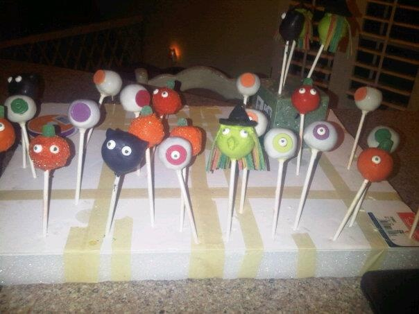 1000+ images about Cake Pops! Cupcake Pops! Cake Bites! Cupcakes and ...